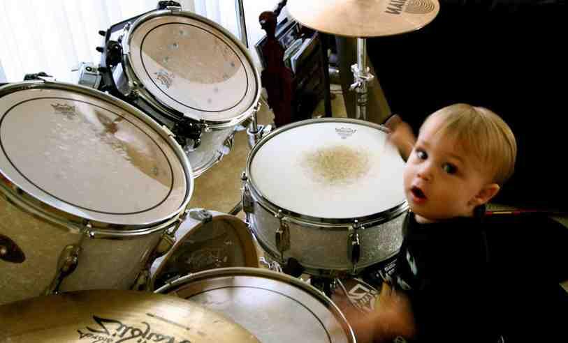 Est-ce difficile d'apprendre à jouer de la batterie ?