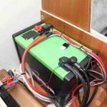 Quel était le surnom de celui qui a inventé la batterie ?