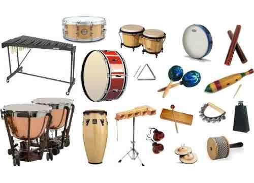 Quelles sont les deux grandes familles d'instruments à percussion ?