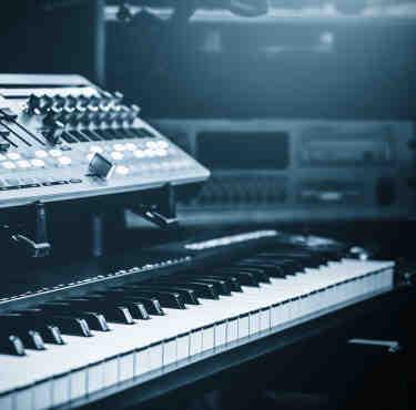 Comment amplifier le son d'un piano numérique ?